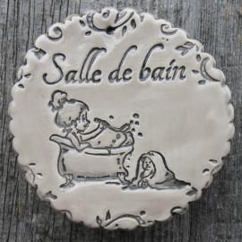 "faïence ronde ""Salle de bain"" (petite fille dans son bain)"